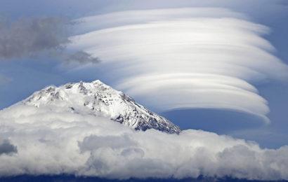 Bộ hình nền phong cảnh bầu trời với những đám mây kỹ vĩ trong thiên nhiên