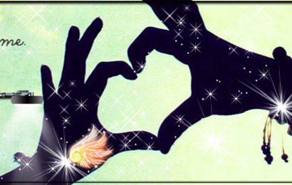 Chia sẻ psd cover và ảnh bìa facebook trái tim tình yêu từ bàn tay đẹp