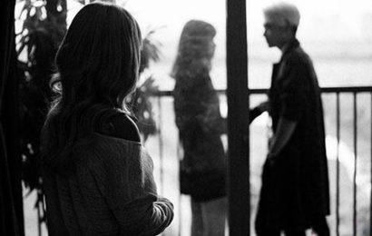 Top 20 câu STT bày tỏ cảm xúc khi người yêu cũ có người yêu mới
