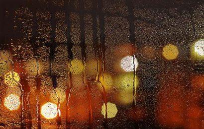 Top 20 câu STT hay về mưa đêm khiến lòng ai bỗng tê tái, hiu quạnh
