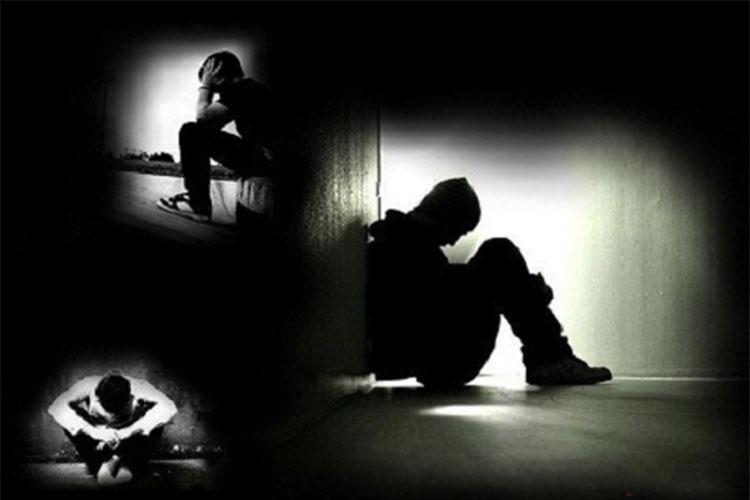 Tuyển tập STT chẳng có gì đáng sợ bằng sự cô độc trong bóng đêm