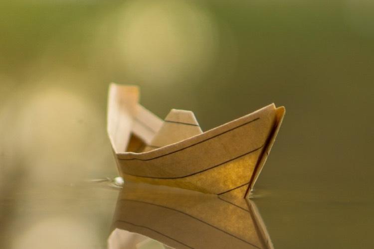 Hình nền chiếc thuyền cô độc cho điện thoại Samsung Galaxy A02