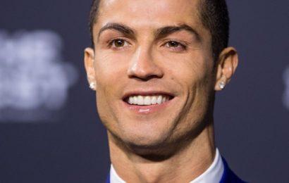 Hình nền Cristiano Ronaldo khí chất điện thoại Samsung Galaxy S20 FE
