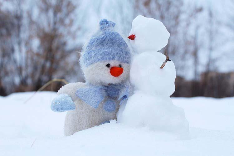 Hình nền tuyết rơi mùa đông cho điện thoại Oppo Reno5 Marvel